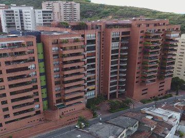 Copropiedad puede oponerse al suministro de servicios públicos, si se afectan bienes comunes como las fachadas