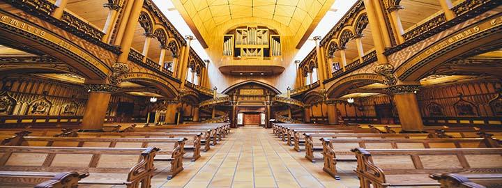 Ejercicio abusivo de libertad de cultos puede afectar derechos de terceros (Sentencia 41001233300020130025501)